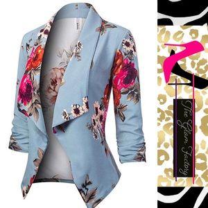 💕Baby Blue Floral Blazer 💕